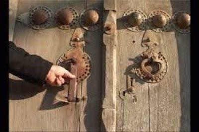 دقالباب یا کوبیدن در 7 مسجد در ماه صفر سند شرعی دارد؟