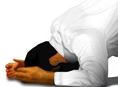 چه دعاهایی را در سجده آخر نماز بخوانیم؟